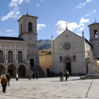 Norcia-piazza13